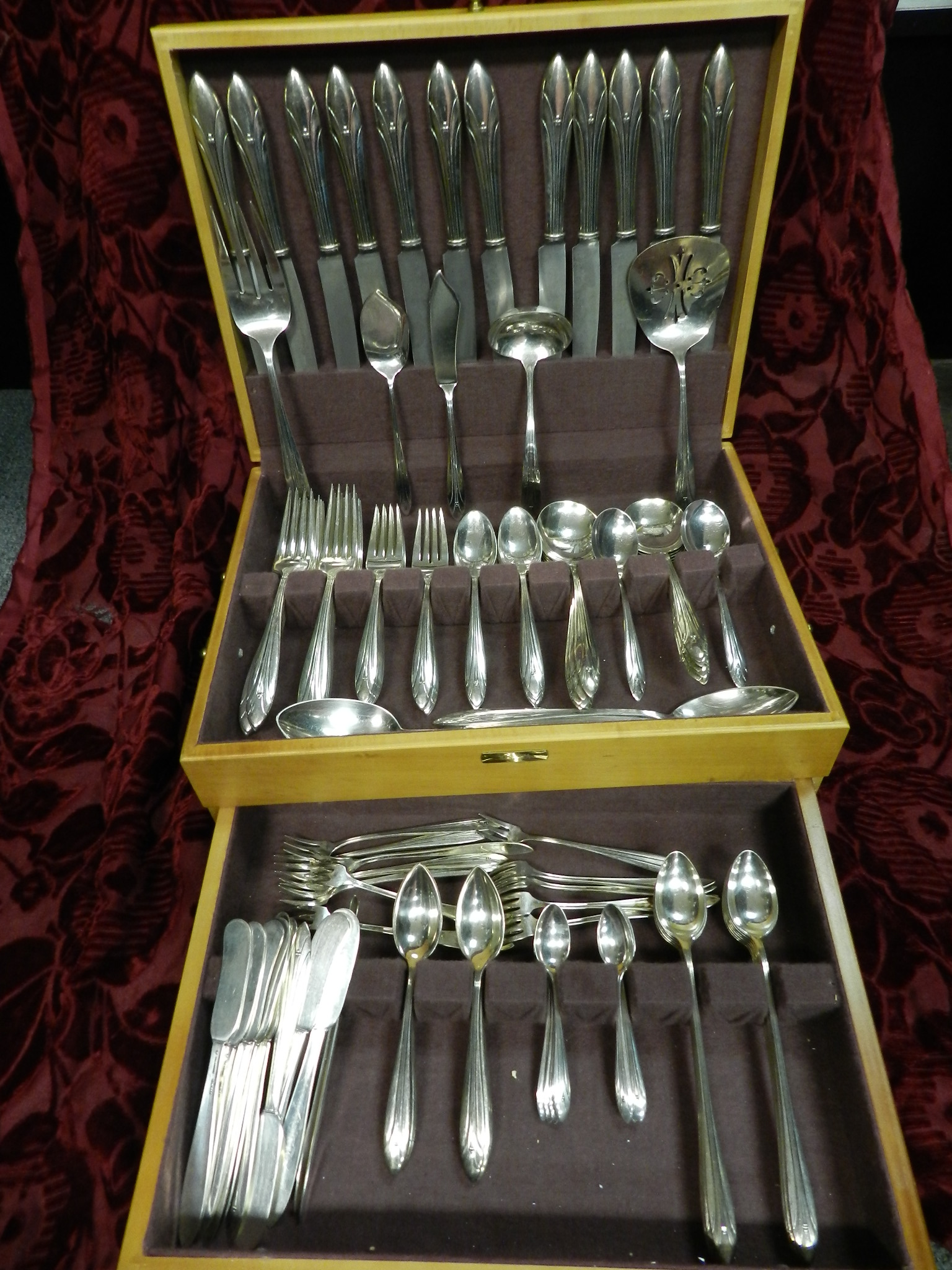 133pc INTERNATIONAL ELSINORE STERLING FLATWARE