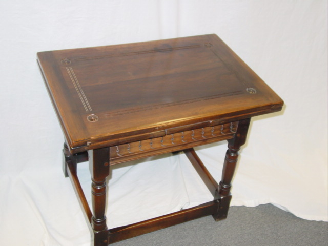 VINTAGE ARTS & CRAFTS KITTINGER EXPANDING TABLE